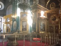 ПОДЪЕМ ПАСХАЛЬНОГО ЯЙЦА НАД ЦАРСКИМИ ВРАТАМИ В ХРАМЕ НА ТАГАНСКОЙ